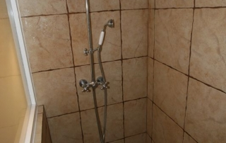 Finca Double Bedroom En-suit Shower